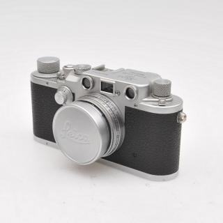 war-time_leica-iii-c-red-curtain-with-summitar-5cm-4888a_411407707